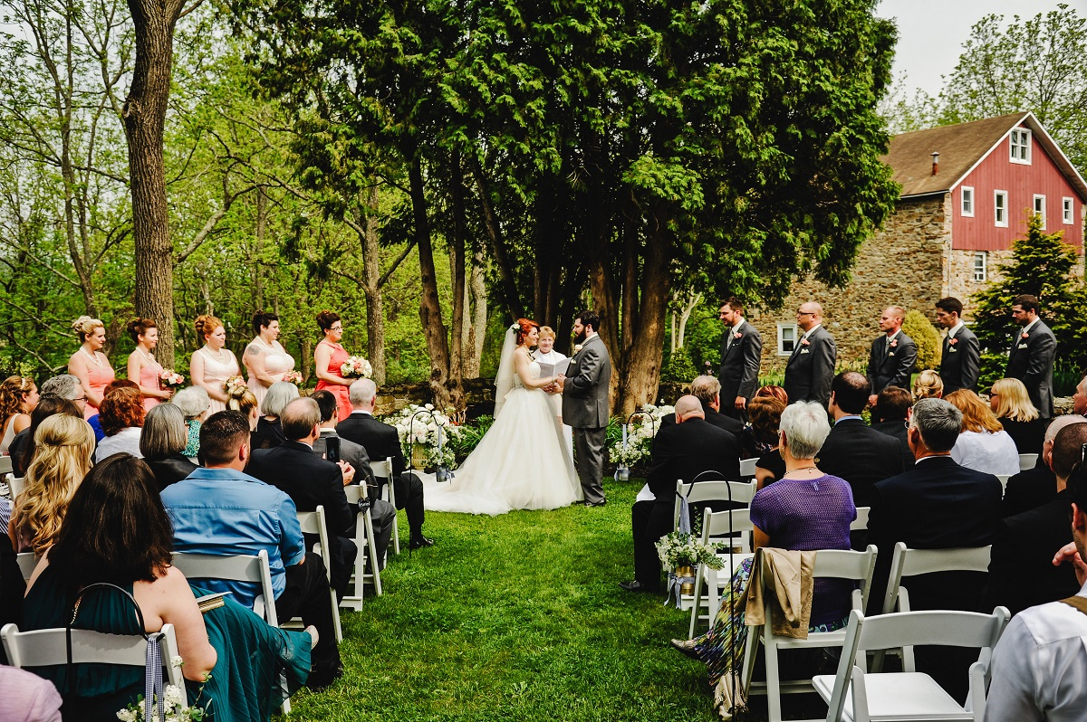 Bally Spring Inn Wedding Venue Cortyard2